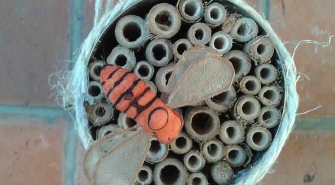 Insectenhuisje voor solitaire bijen