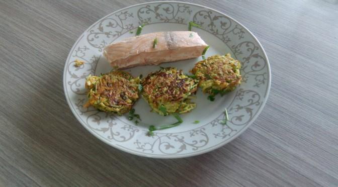Koken met groenten uit de tuin: courgette-wortelkoekjes