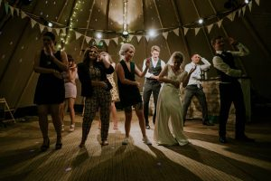 Feesten in een tent